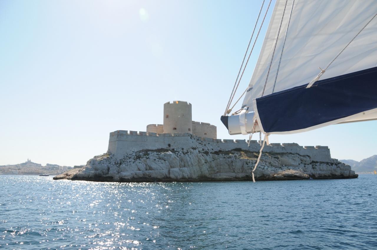 06 Juin 25-26 2011 WE Bateau Summer Camp APS Marseille (15)